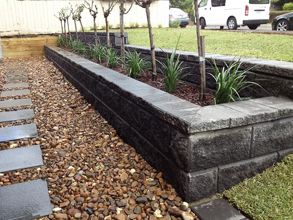 Landscaping by Garden Design & Construction Specialist
